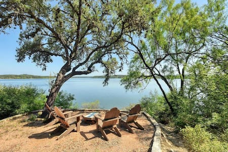 Serene Hill Country Lake Travis Waterfront - Spicewood - House