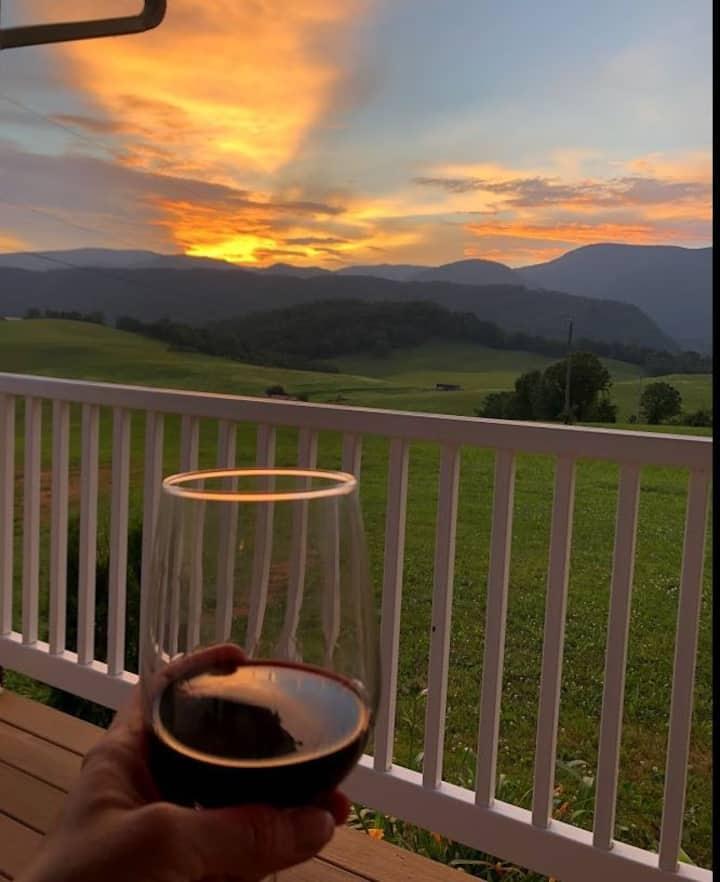 Mountain farmhouse on 147 acres with million$views