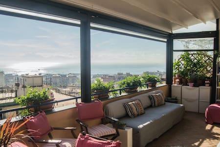 Camera Privata doppia con terrazza panoramica - Neapel