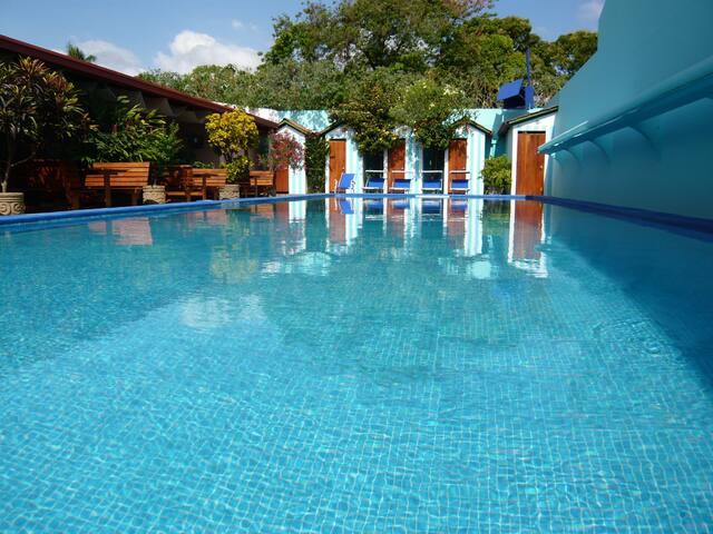 Casa vivaldi 2pax hotels for rent in granada for Casa relax granada