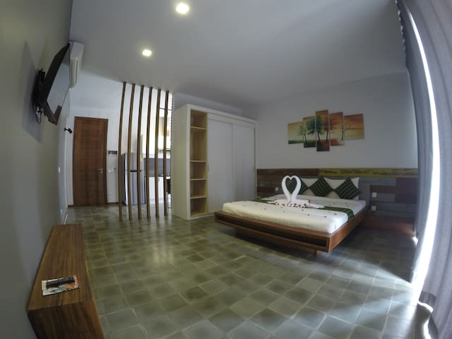 Specious & Lovely Studio Apartment + Free Pick Up