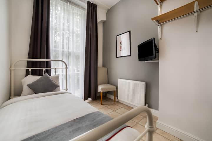OYO Kings Hotel,  Standard Single Room - Shared