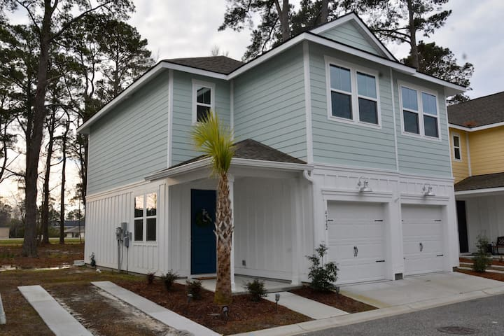 Carolina Cottage- MILE FROM THE OCEAN & BROADWAY!