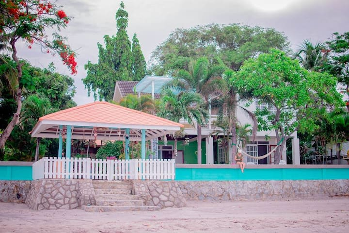 Aramvej Beach House Hua Hin