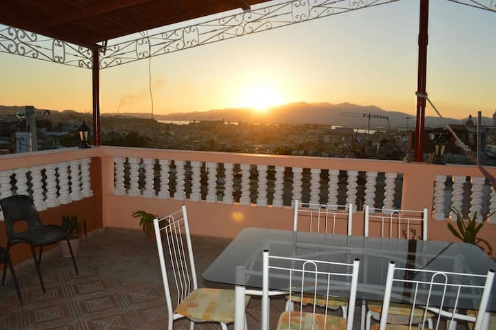 ****OUR CENTRAL HOME IN SANTIAGO BREAKFAST+WIFI***