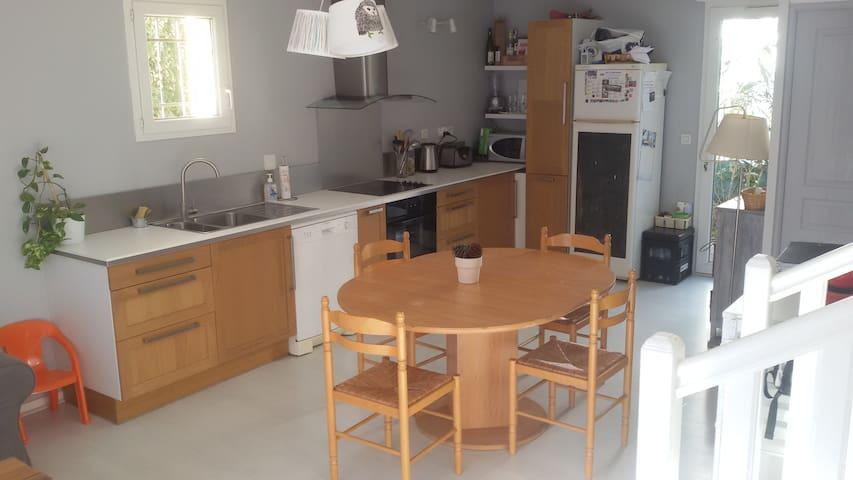 Maison a 2 pas de la plage + piscine - Sainte-Marie - House