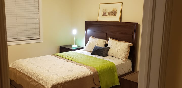 Private Beautifull Bedroom 1 with queen bed