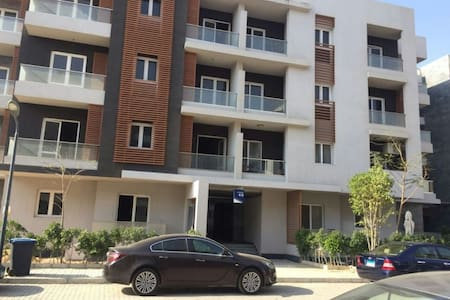 Townhouse-style condo in Heart of Sheikh Zayed - Sheikh Zayed City - Loft