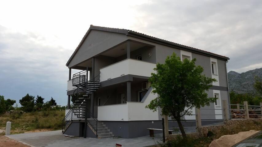 Apartment Zanic - Seline - Seline