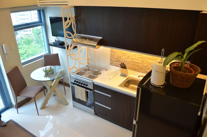 Stylish New Loft Close to Greenbelt - Makati - Loft
