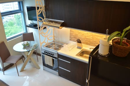 Stylish New Loft Close to Greenbelt - Makati