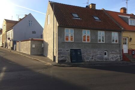 Havudsigt i Allinge, dobbeltseng, midt i byen