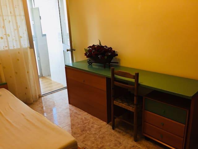 Dormitorio 3 con lugar de trabajo