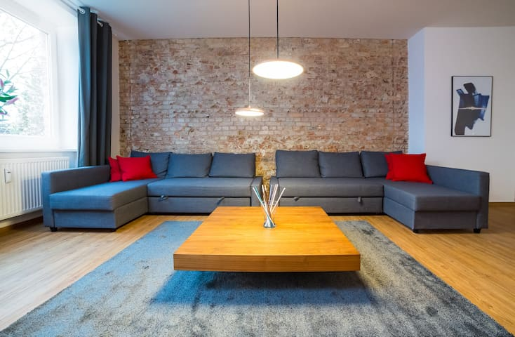 DESIGN APARTMENT IN BERLIN (5 ROOMS & 140 SQM) - Berlin - House