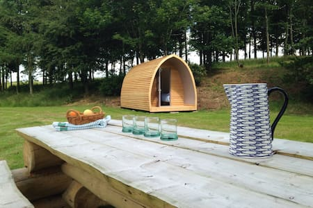Locally crafted wooden camping pod - Carlisle - Inny