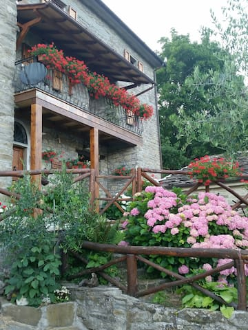Room in the appennini mountain - Sansepolcro - Apartamento