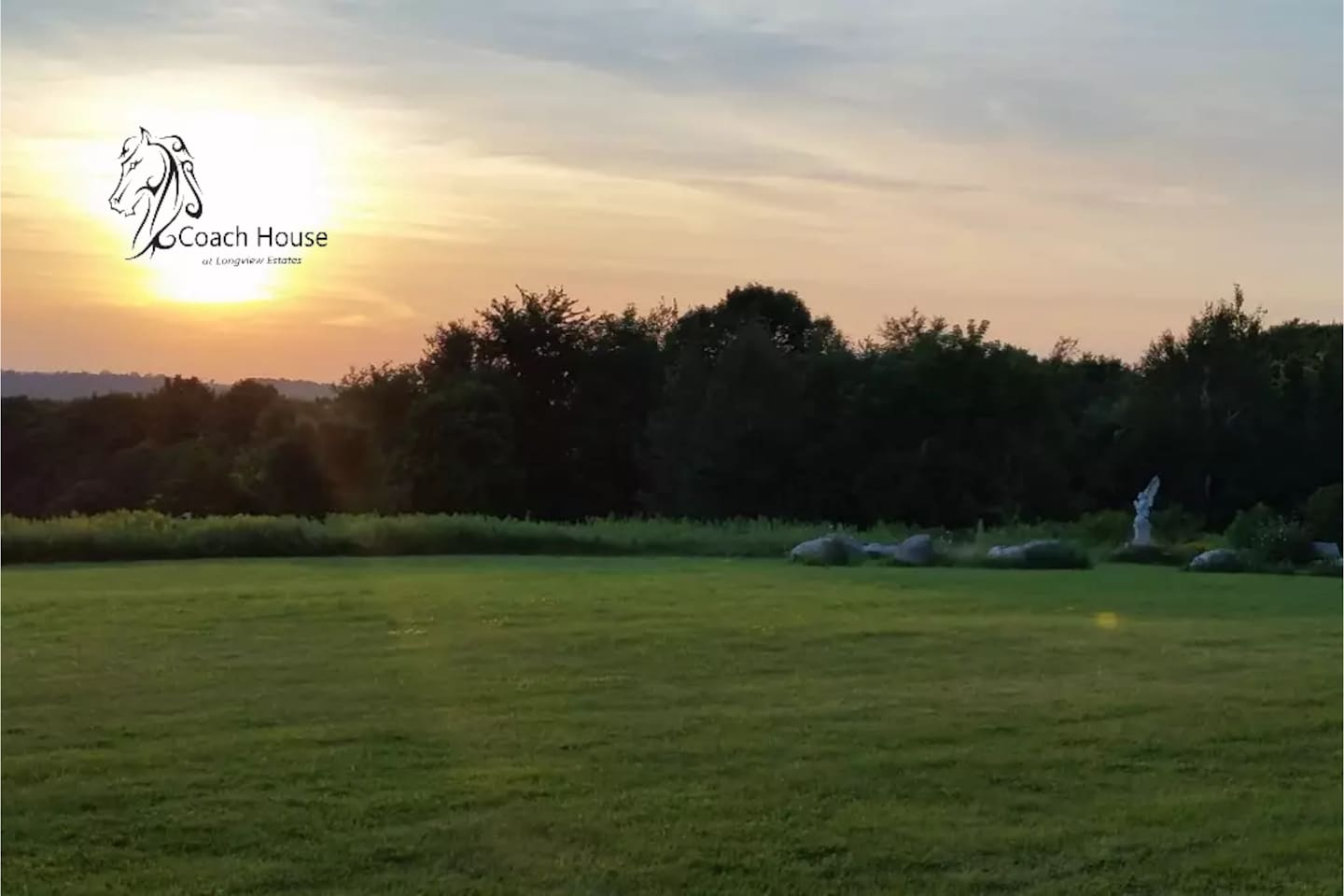 Welcome to the Coach House at Longview Estates. Your view  - beautiful sunsets