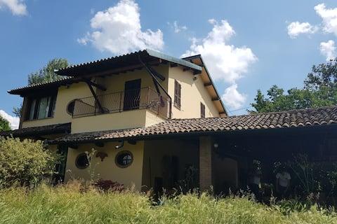 Landhus med pool syd for Milano