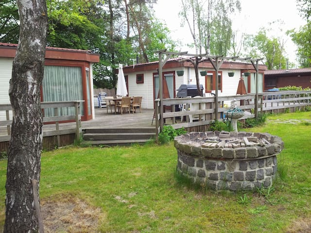 Chalet with 2 rooms, living, sleep - Enschede