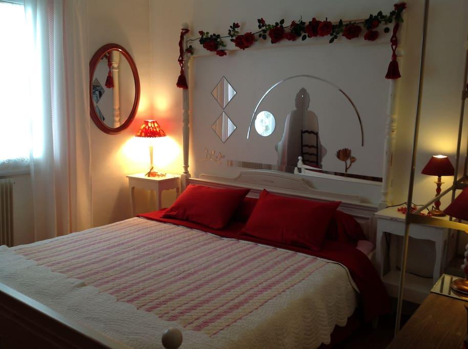 Chambre louer chez l 39 habitant avec lit xxl maisons for Chambre 0 louer chez l habitant