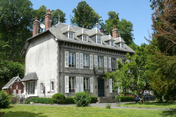 Sur la Route du Puy Mary- Charmilles