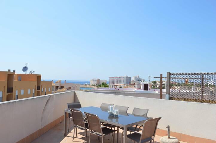 Penthouse: sea views & roof terrace - Colònia de Sant Jordi - Apartmen