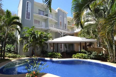 Condo Limonada - Only 5min walk from the beach! - Tamarindo