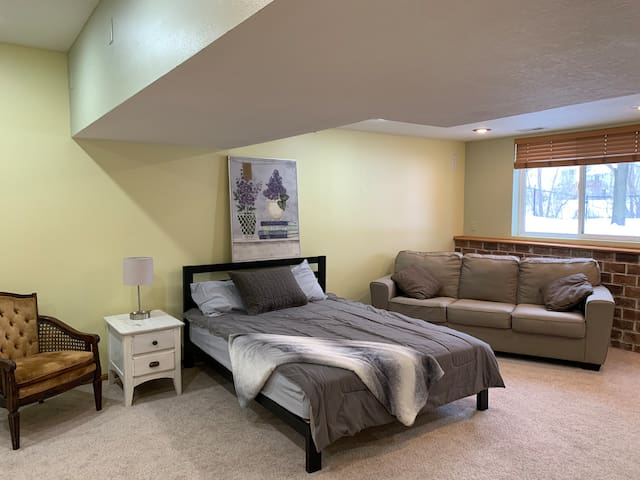 4th bedroom in furnished basement