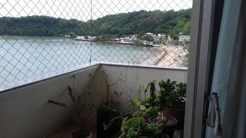 Quartos em AP de frente para o mar - Itajaí