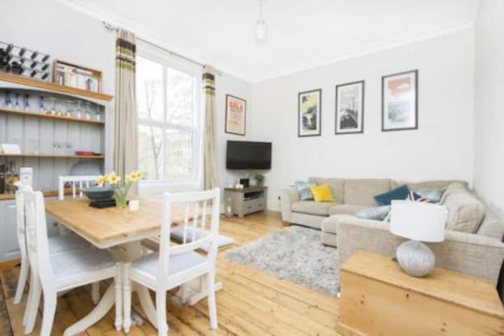 Streatham Hill/Balham flat short term let