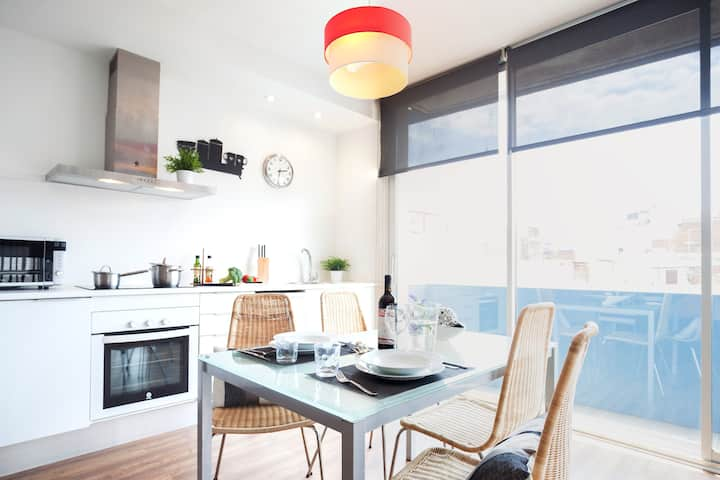2 bedr apartment in Poblenou, next to the beach