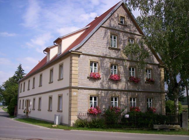 Landurlaub im Bauernhaus 3-6 Pers. - Ulsenheim - Lägenhet