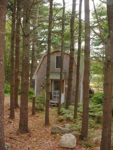 Quiet Cottage by the Woods + Sea - Georgetown - Cabin