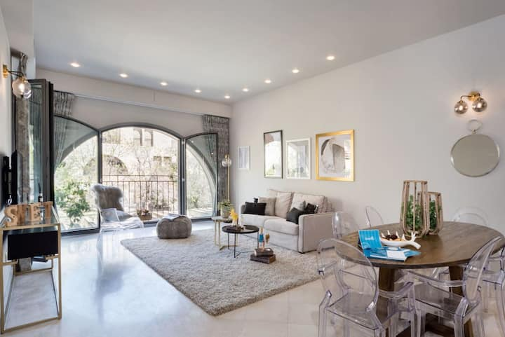 Beautiful & spacious 1BDR*Mamilla* with balcony