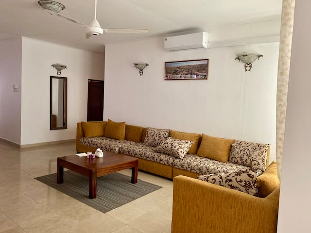A Spacious 3 Bedroom Apartment in Colombo 7