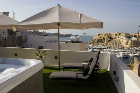Birgu Lodge Palazzino (with jacuzzi) luxury 2 LUX