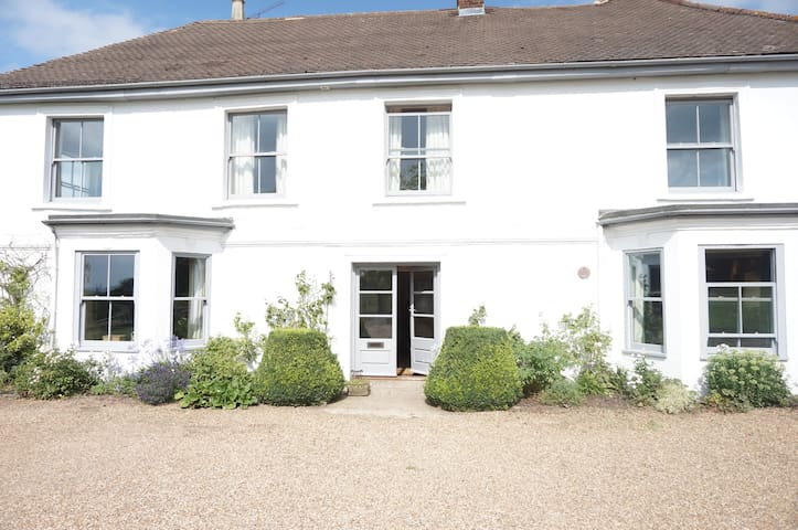 Comfortable farmhouse near London - Nazeing - House