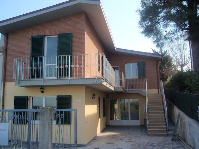 Casa singola a 300 metri dal mare - Montignano-Marzocca - Hus