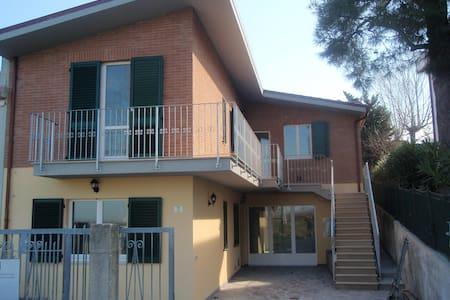 Casa singola a 300 metri dal mare - Montignano-Marzocca - Ev