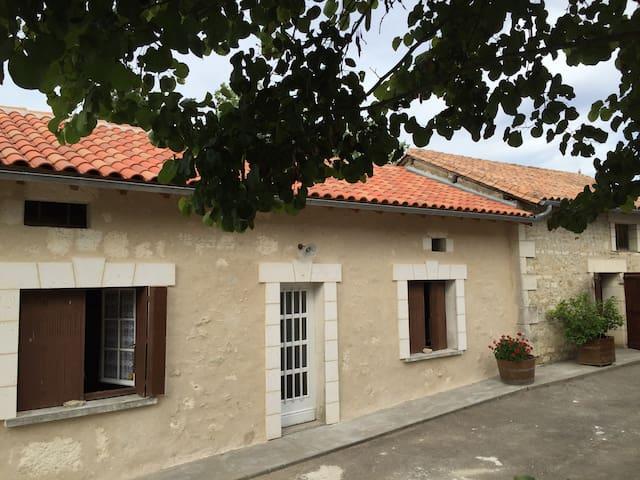 Maison en Périgord vert (brantome) - Saint-Sulpice de Mareuil - Rumah