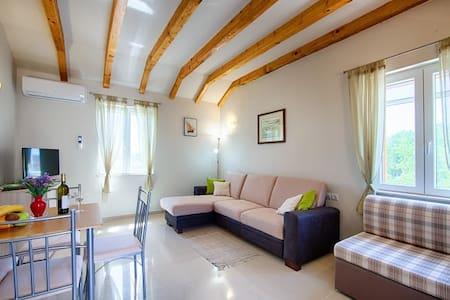 Apartment Tramontana (Betini Apartments)