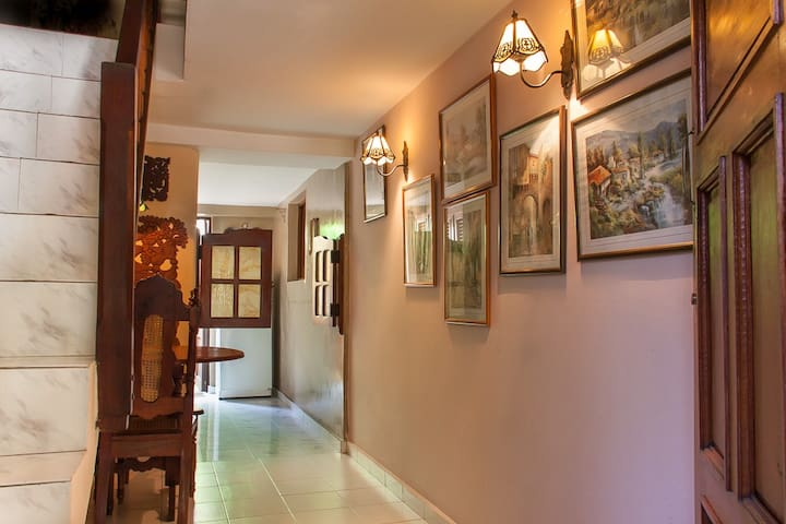 Corredor de Entrada / Entrance Hall