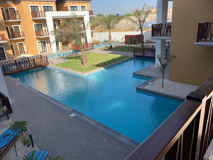 3 mins walk to beach and senegambia strip pool