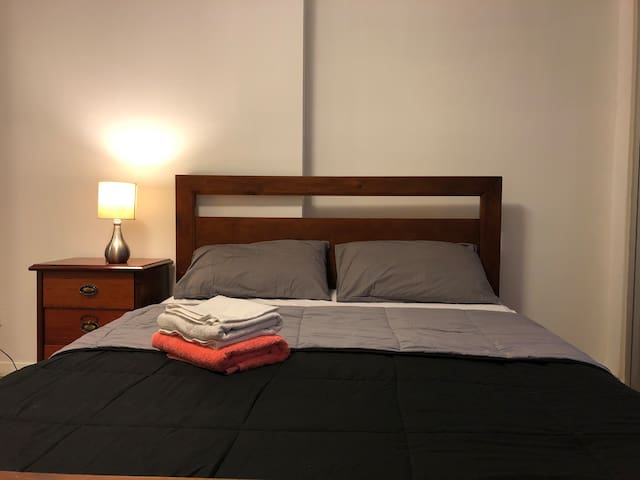 Bright comfy room minutes away from Parramatta CBD