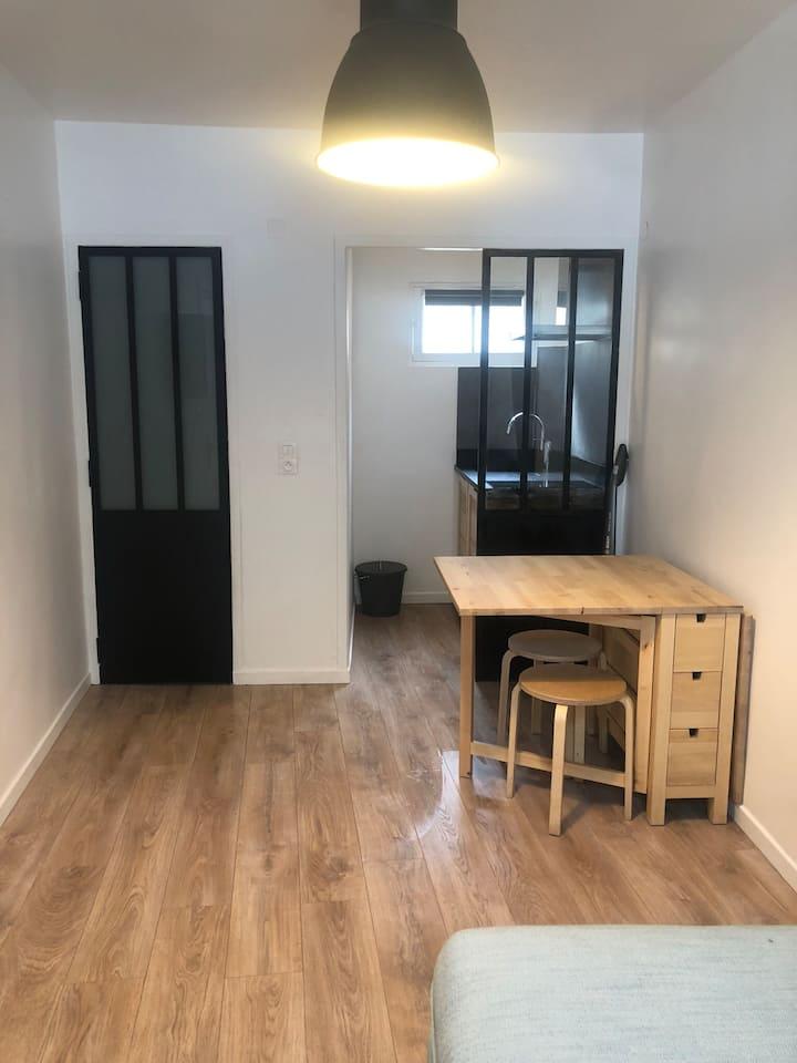 Petit studio centre Fontainebleau, tout confort …