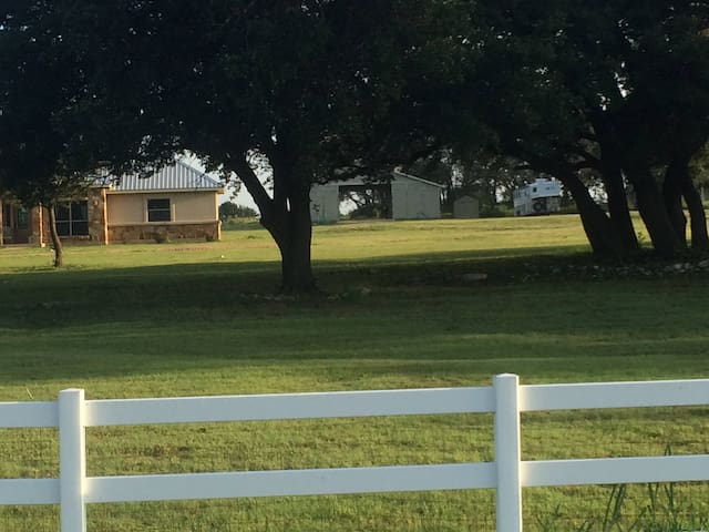 Fabulous House, 10 Acres, Horses OK - Liberty Hill