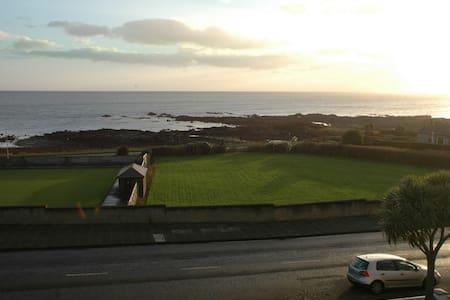 Double room+sea view in beautiful Victorian house - Donaghadee - บ้าน