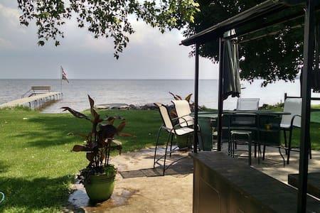 Lake Life - Neenah - Casa