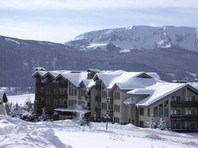 Ski in and Out 3BR/3BA, 2 Stories - Crested Butte - Byt