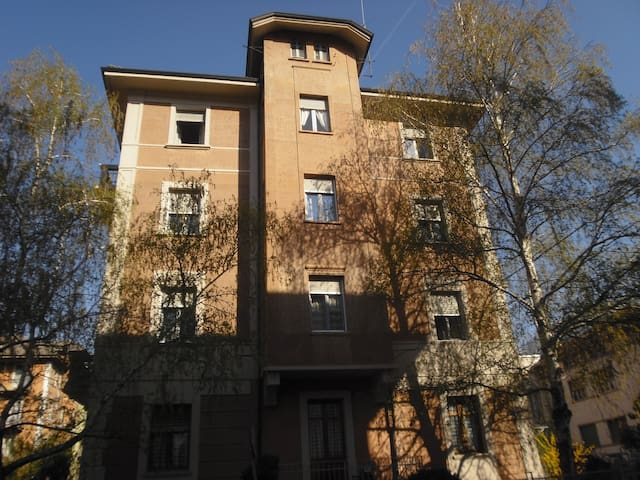 Room in the old town centre - Aosta - Inny